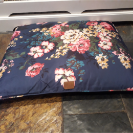 Joules-Restwell-Pillow-Pet-Bed