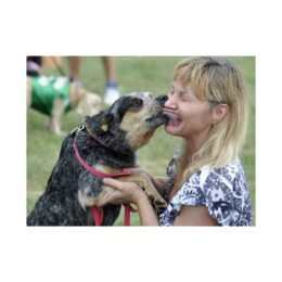Kissing-dogs-coronavirus